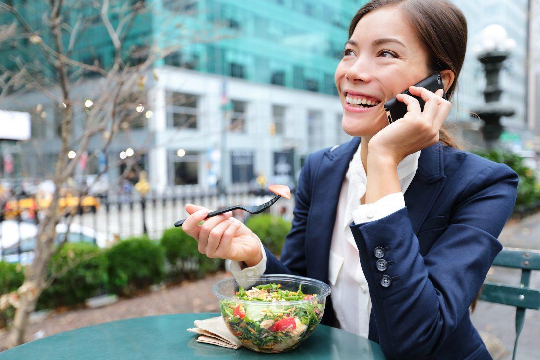 Waarom bel je een voedingsadviseur? Boek ook een online consult. Super makkelijk.