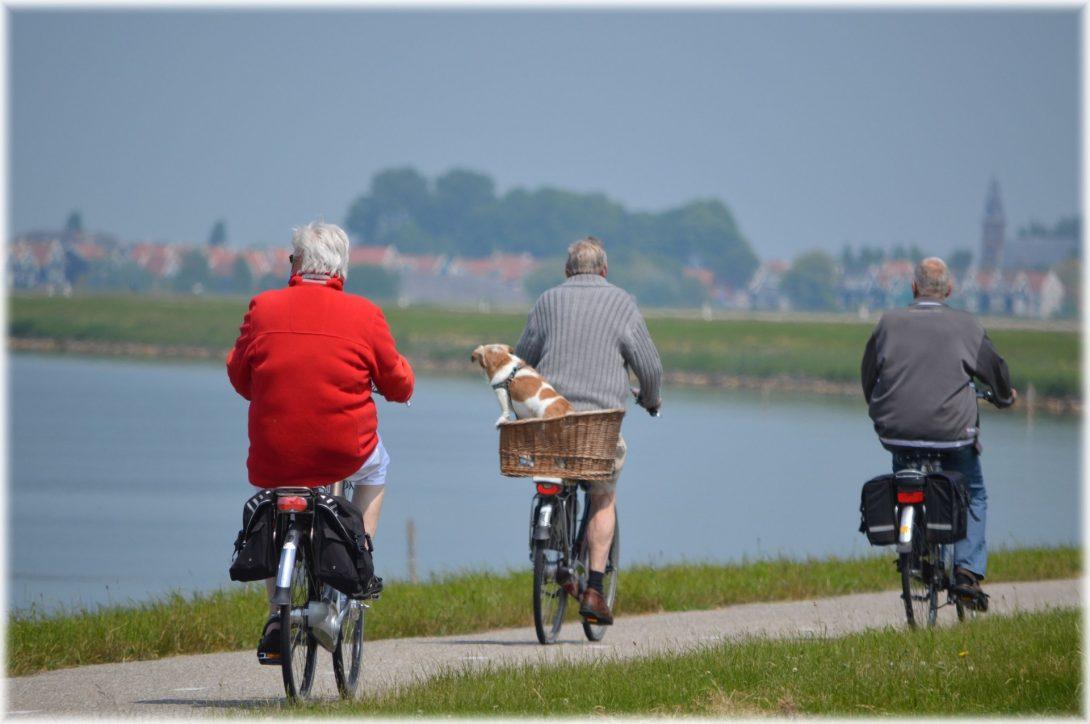 Ouderen op de fiets